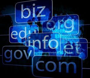 Read more about the article 自己架站該把網域和虛擬主機一起買嗎?